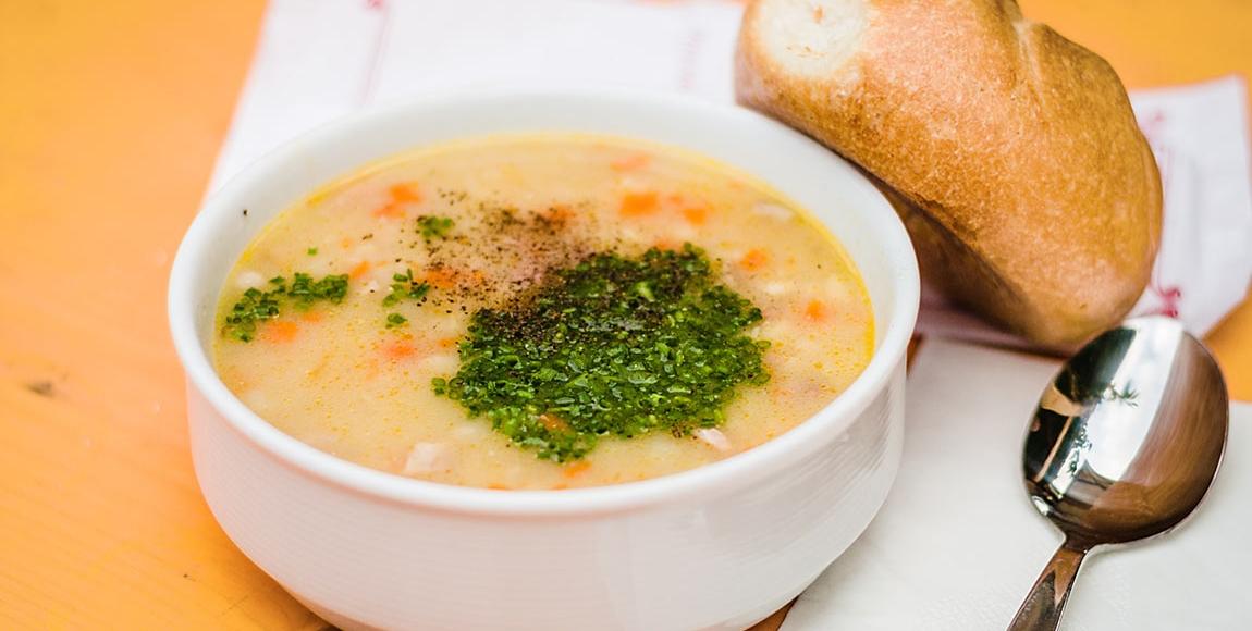 Gerstsuppe genießen in Südtirol