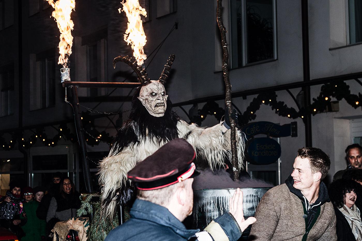 Krampusumzug Nikolaustag Südtirol